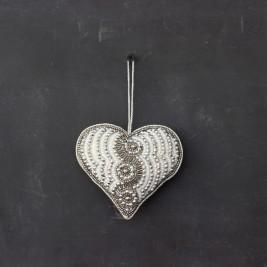 Colgante Corazón bordado Ch.
